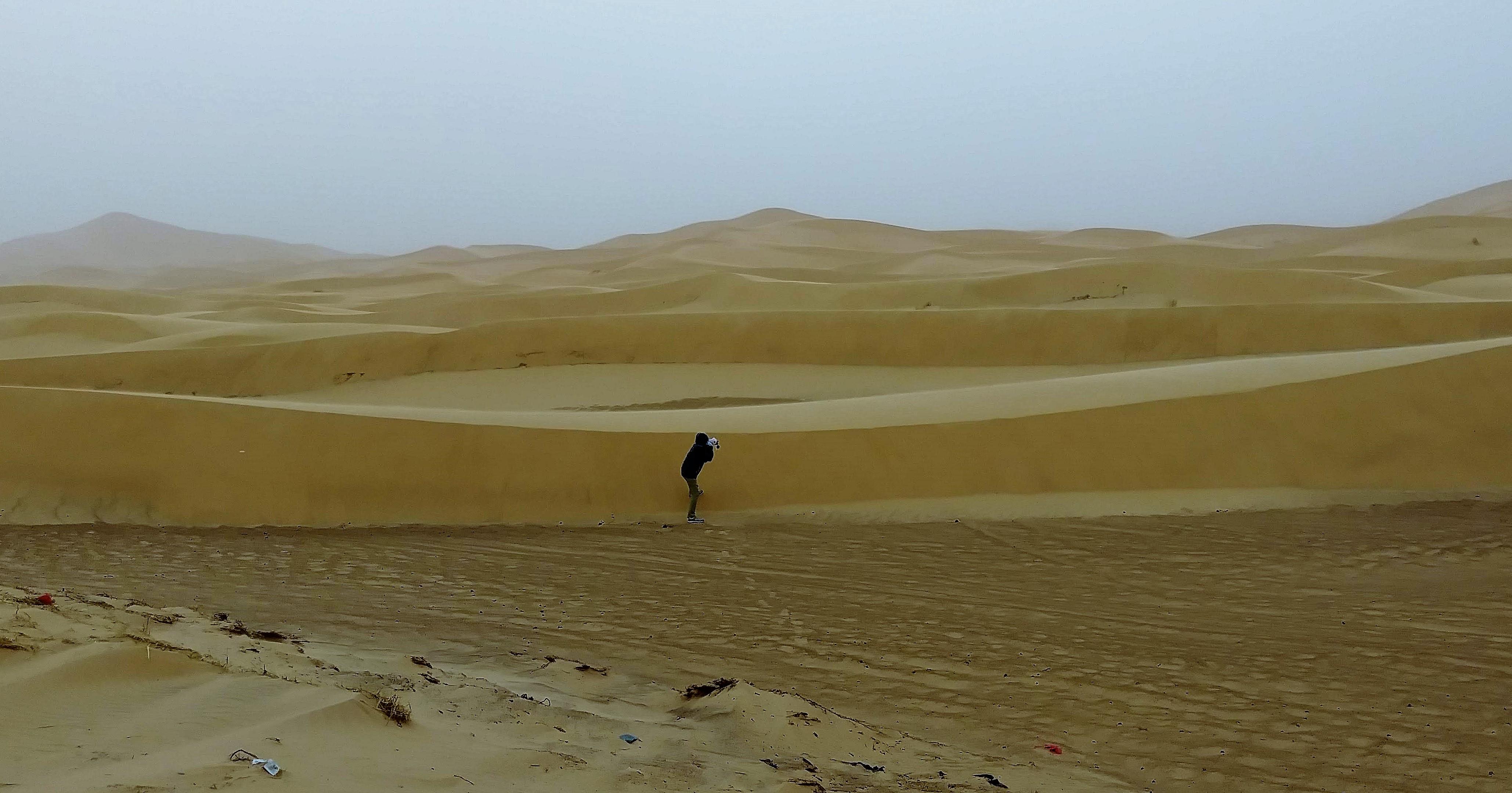 比人還高的沙丘