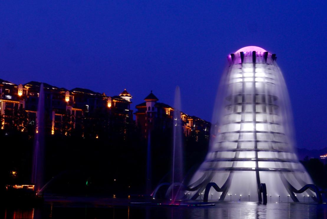 雷射音樂噴泉的夜晚